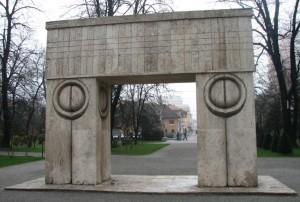 Monumente Oltenia - Poarta Sarutului