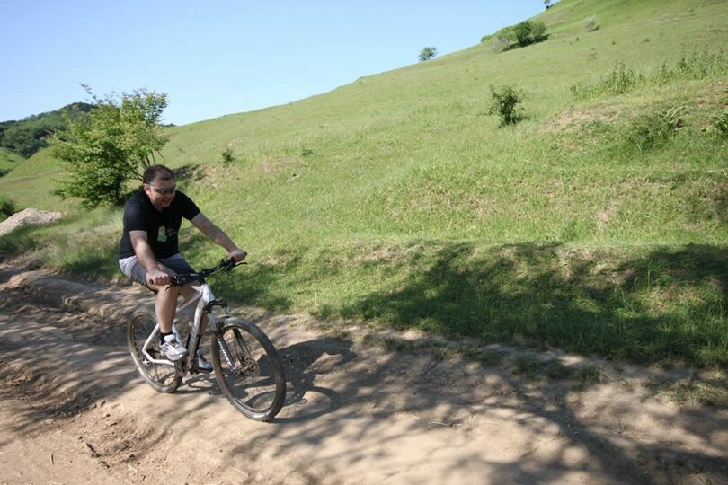 Ațel Dupuș bicicliștii